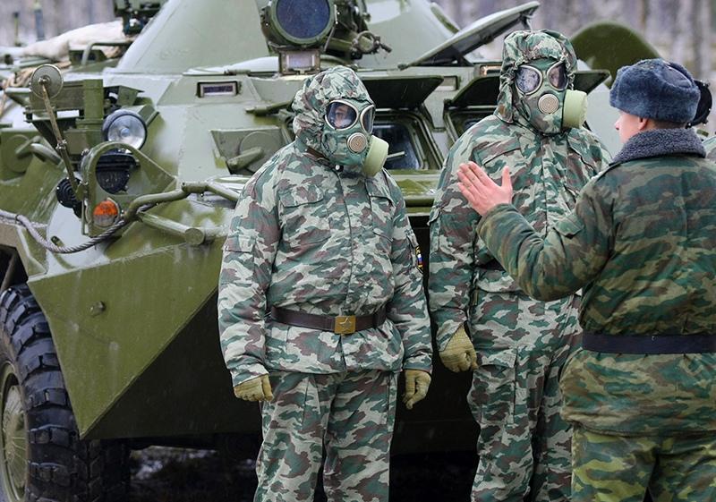 Военнослужащие войск радиационной, химической и биологической защиты (РХБЗ)