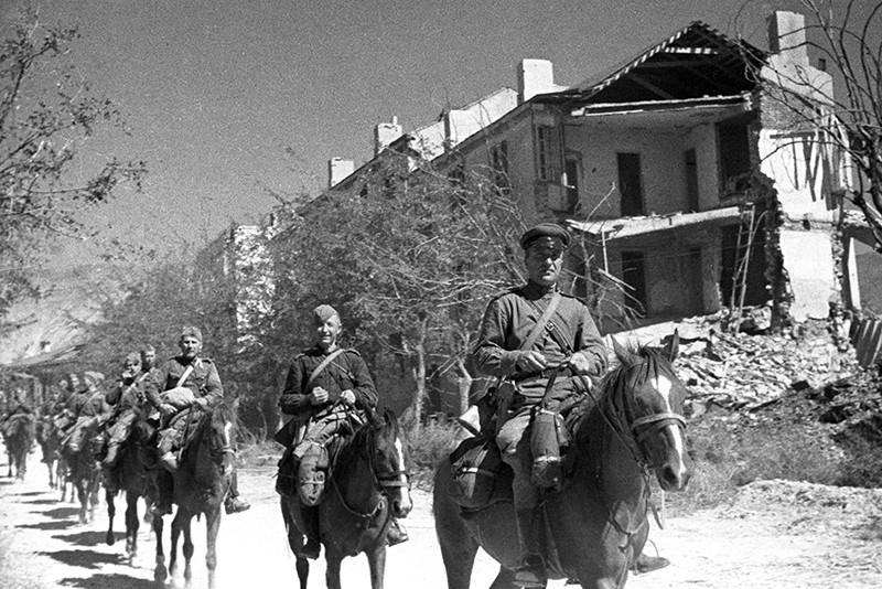 Советские кавалеристы