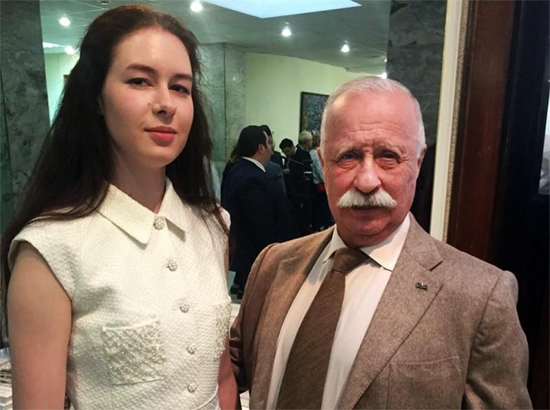 Леонид Якубович с дочерью Варварой