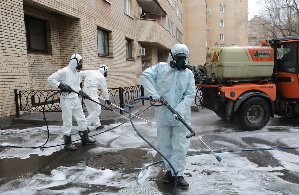 Промывка дезинфицирующими растворами дворовых