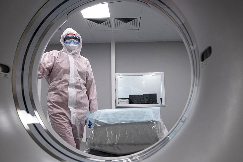 Врачи в инфекционном отделении