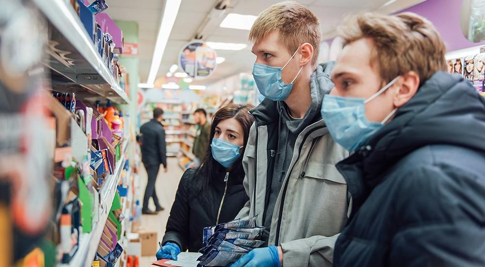 Волонтеры в магазине