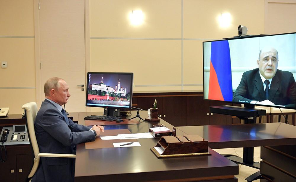 Владимир Путин на видеосвязи с Михаилом Мишустиным
