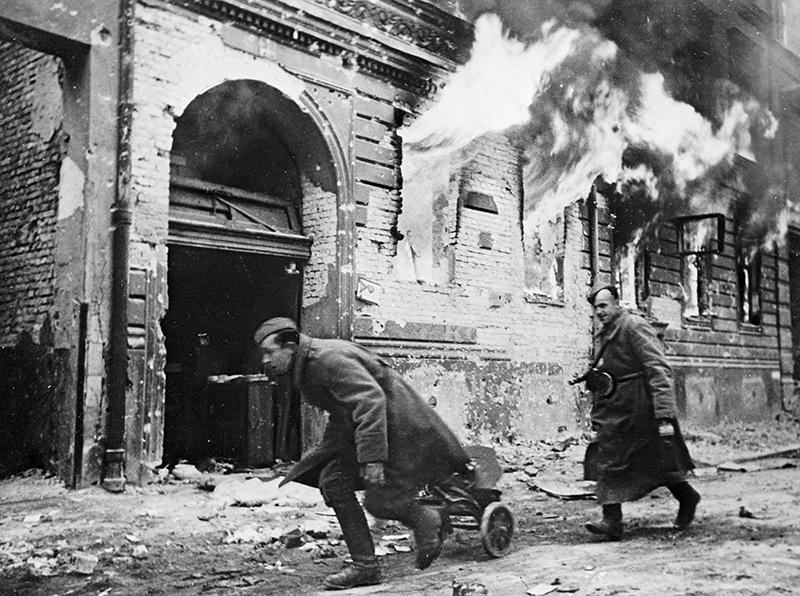 Советские войска в Берлине. Весна 1945 года