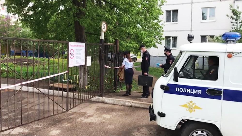 Полиция у приюта