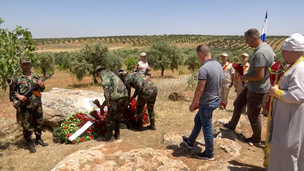 Траурные мероприятия на месте гибели летчика Романа Филипова в Сирии