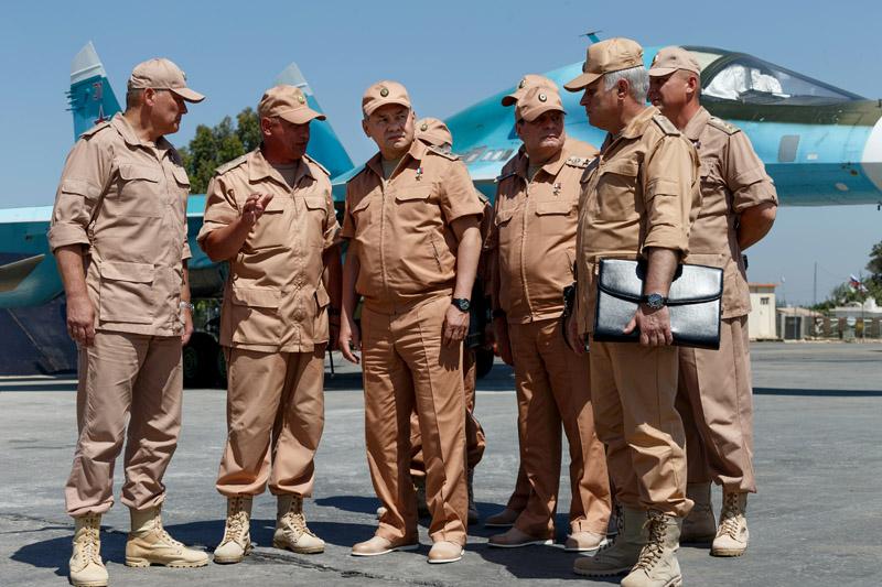 Министр обороны России Сергей Шойгу на авиабазе Хмеймим в Сирии