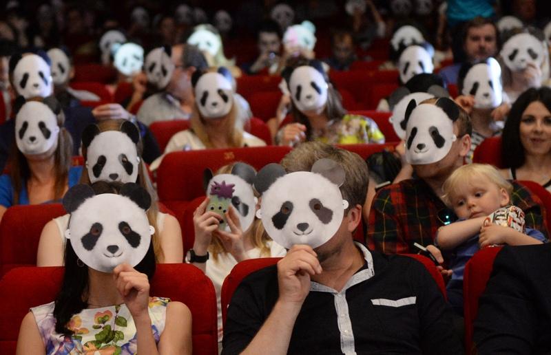 Зрители в кинотеатре. Жизнь после COVID-19