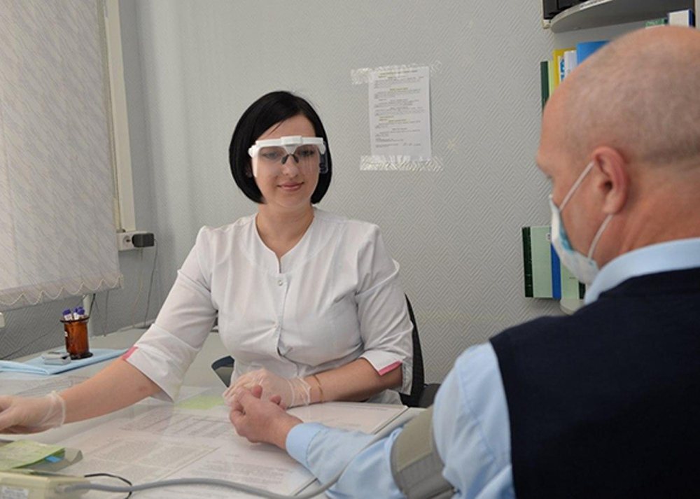 Уральские ученые создали электронную многоразовую маску