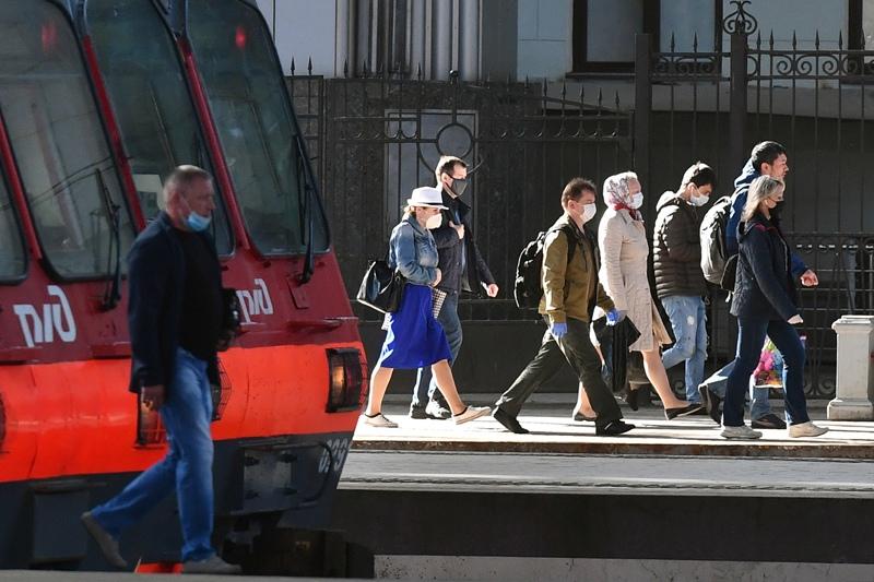 В Подмосковье начнут штрафовать людей без маски в общественных местах