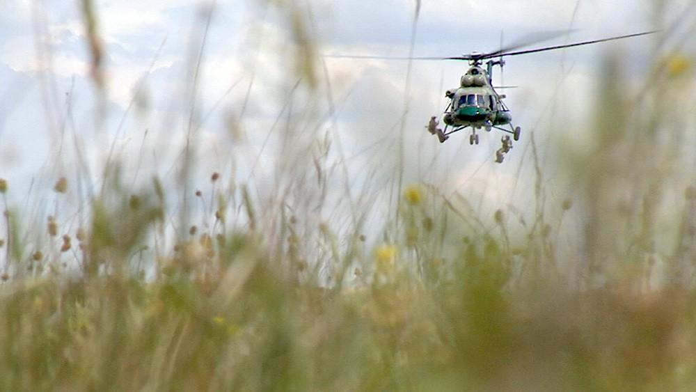 Вертолет погранслужбы России