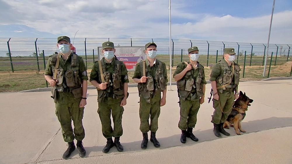 Как несут службу пограничники в Крыму