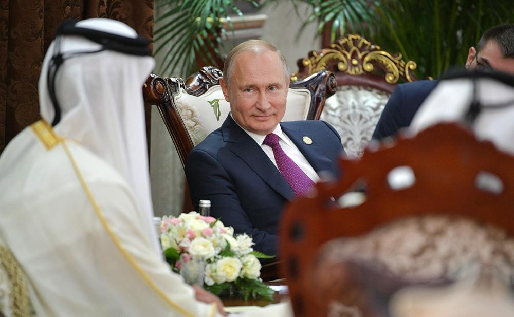 Владимир Путин и Тамим Бен Хамад Аль Тани
