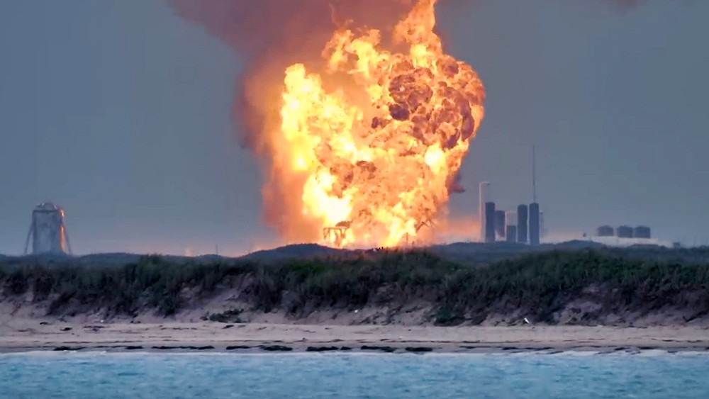 Взрыв на полигоне SpaceX