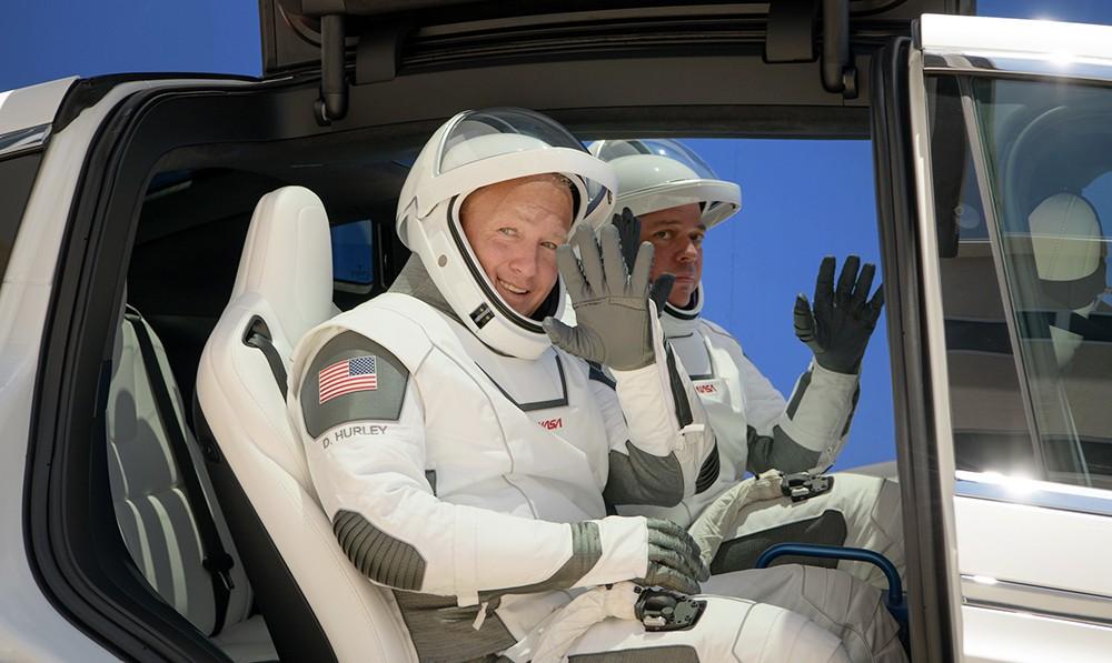 Астронавты NASA Даг Хёрли и Боб Бенкен