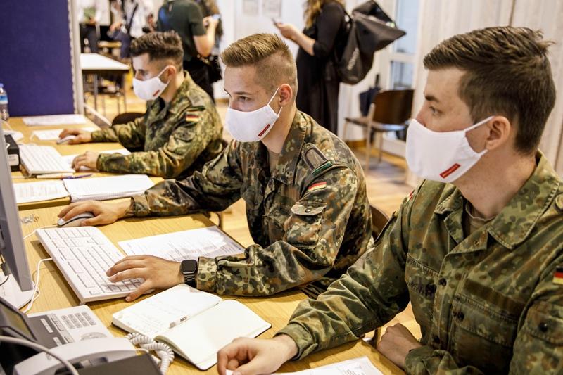 Зачем Запад развязал информационную войну против России