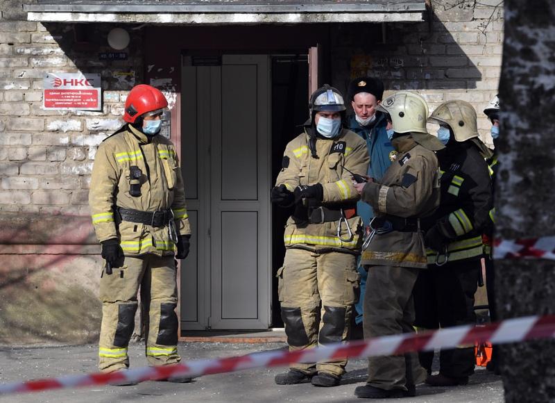 На месте взрыва газа в жилом доме