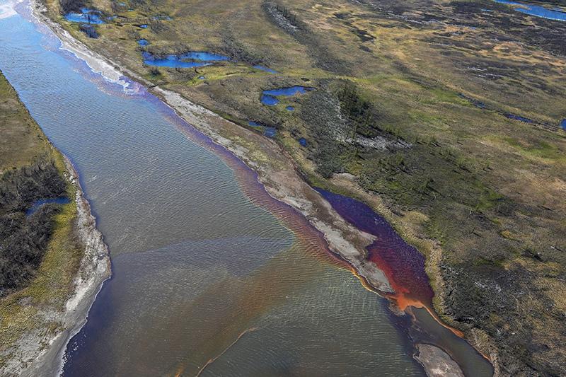 Последствия разлива нефтепродуктов в Норильске