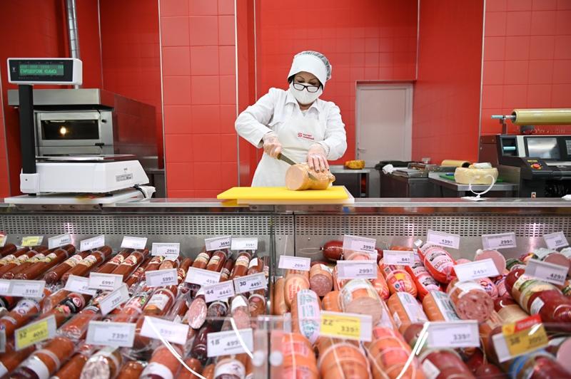 Вслед за мороженным китайцы признались в любви к русской колбасе