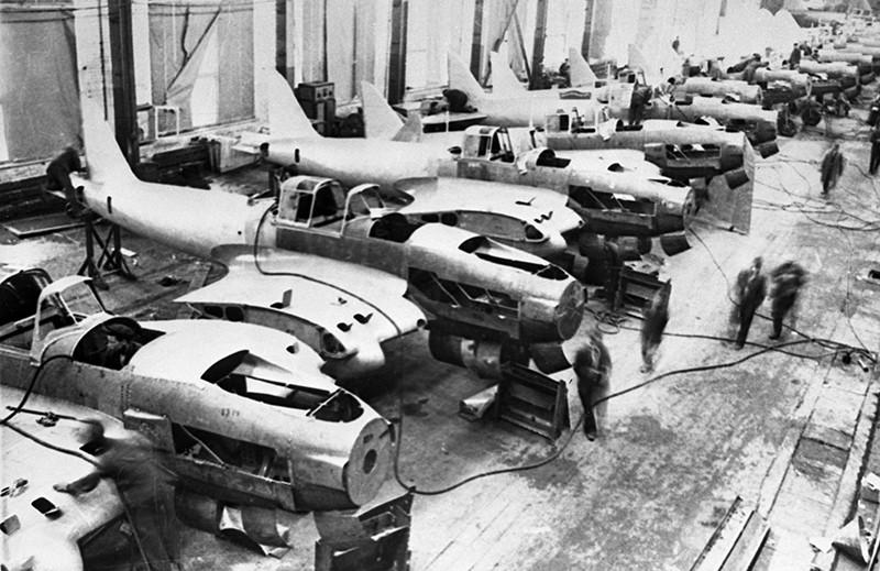 Авиационное производство во время войны