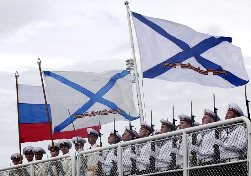"""Рота почетного караула гвардейского ракетного крейсера """"Варяг"""""""
