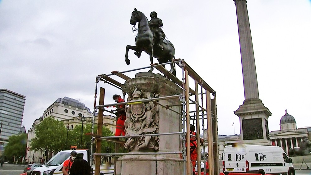 Памятник Эдварду Кольстону в Лондоне закрывают строительными лесами