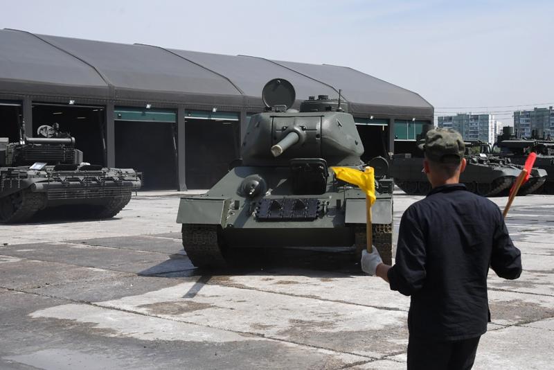Подготовка военной техники к Параду Победы в Москве