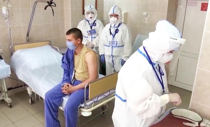 Вакцинация добровольцев против коронавируса SARS-CoV-2
