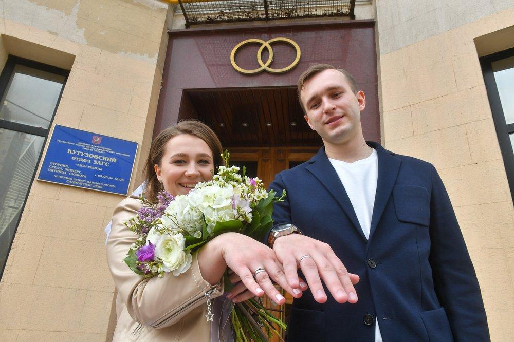 В столичных ЗАГСах возобновят торжественную регистрацию браков