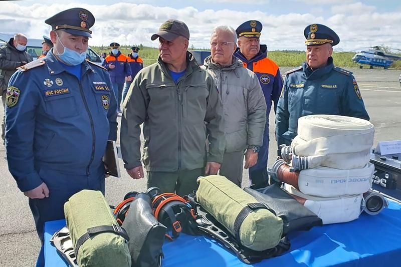 Глава МЧС России Евгений Зиничев посетил полигон хранения загрязненного грунта в Норильске