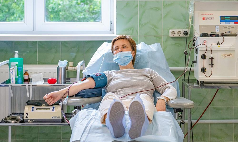 Сдача донорами крови