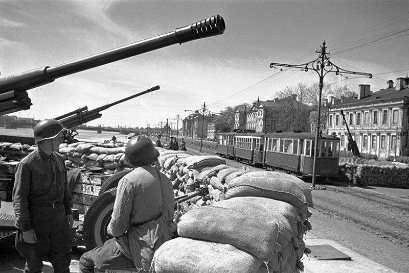 Оборона блокадного Ленинграда