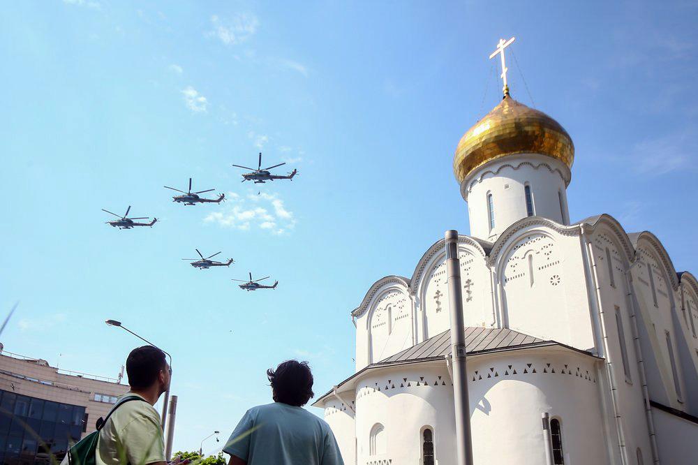 Пролет авиации над Москвой
