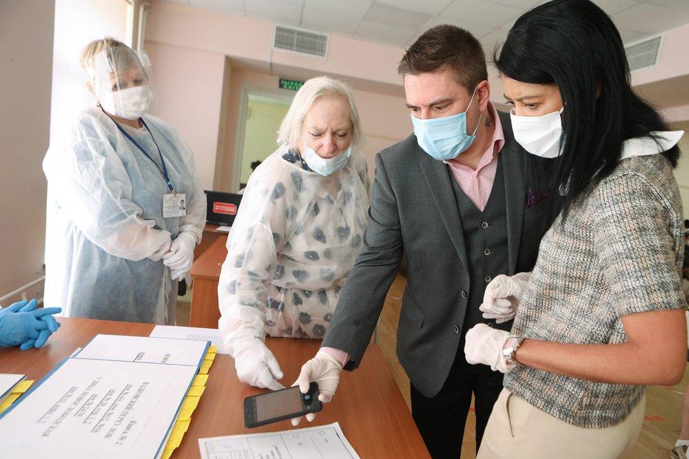 Работа иностранных экспертов-наблюдателей на голосовании