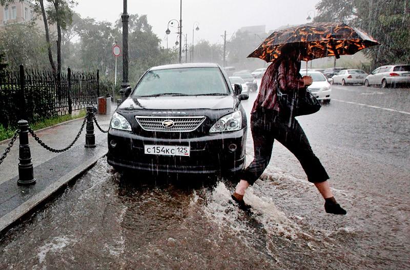 Последствия сильного ливня во Владивостоке