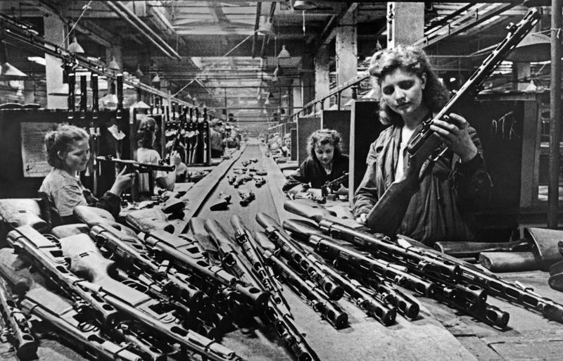 Во время конвейерной сборки автоматов