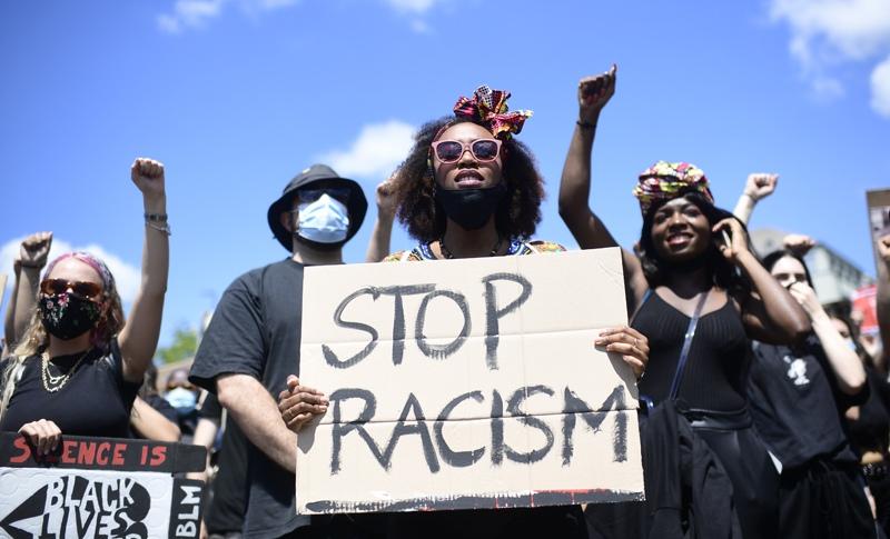 Акция против расизма в США