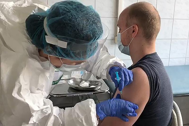 Клинические испытания российской вакцины от коронавирусной инфекции COVID-19