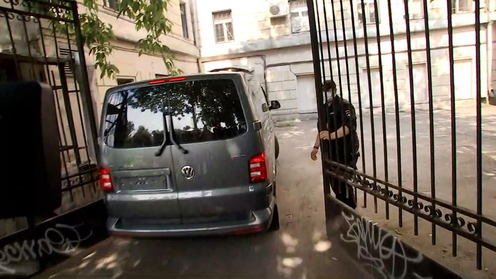 Задержанного Ивана Сафронова доставили в ууд