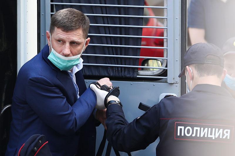 Избрание меры пресечения губернатору Хабаровского края Сергею Фургалу в Москве