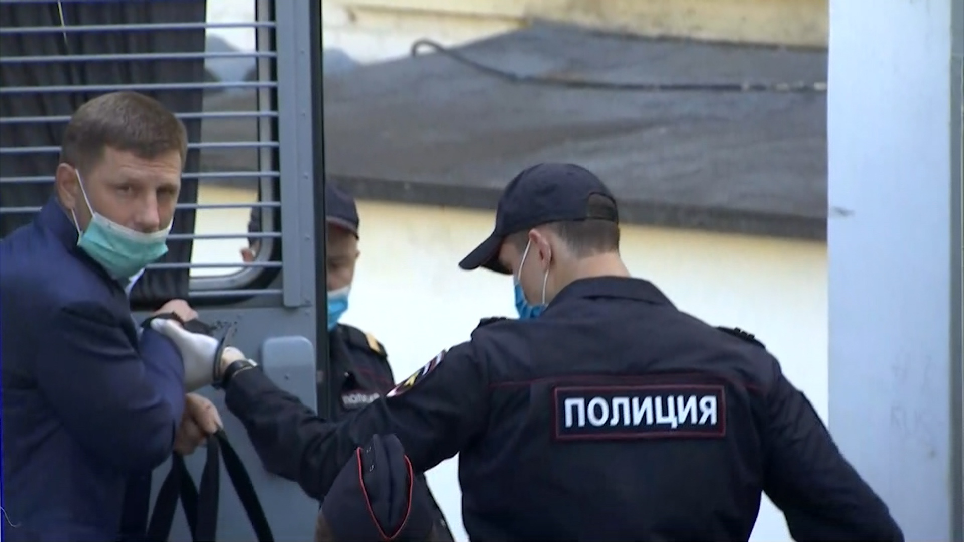 Сергея Фургала доставили в Басманный суд Москвы