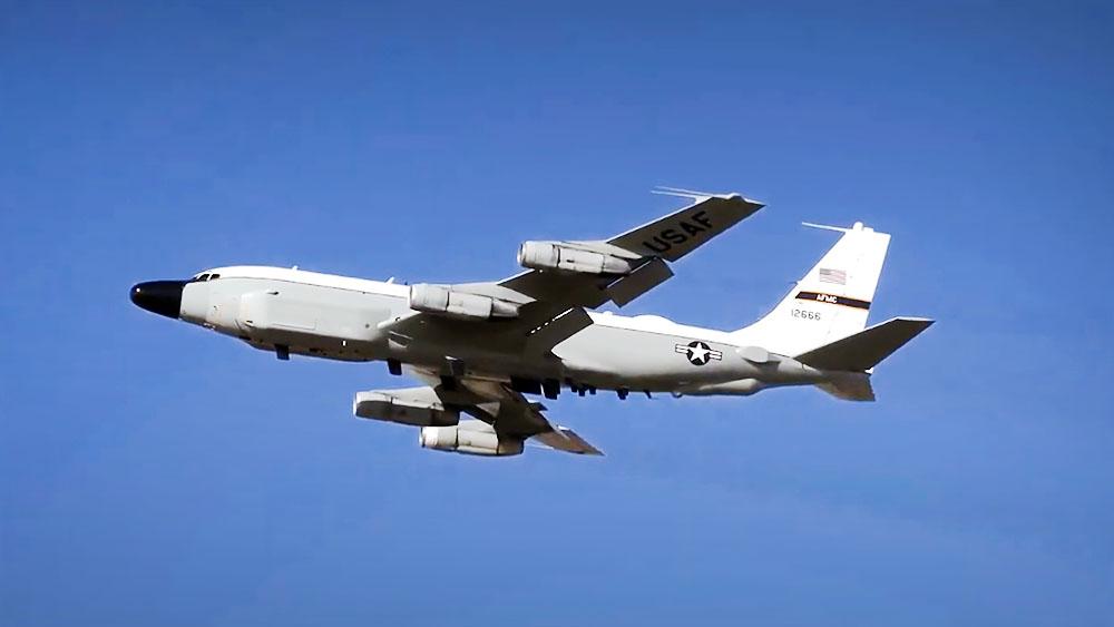 Самолет-разведчик Boeing RC-135чик