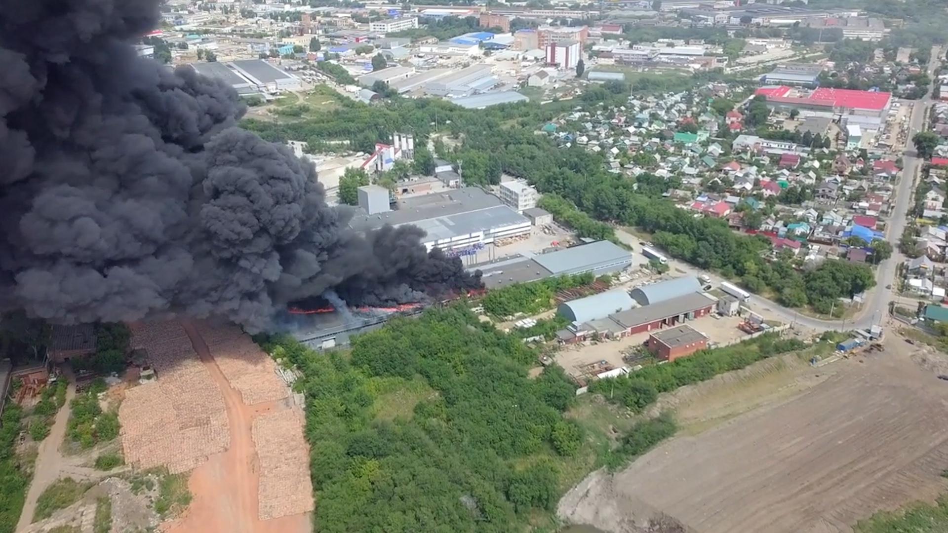 Пожар на складе в Самаре