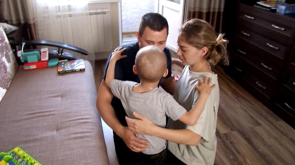 Артём Габдрафиков с родителями