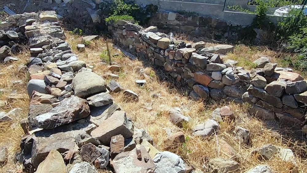 Руины древней крепости в Крыму