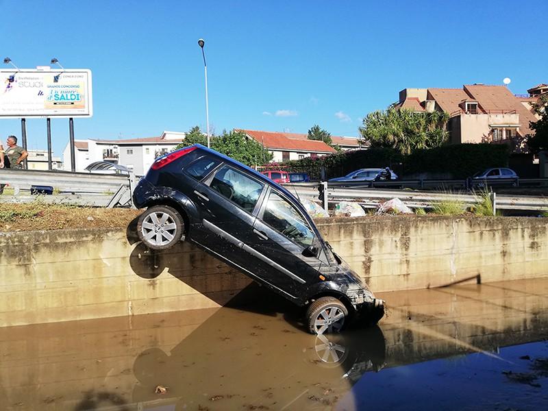 Последствия наводнения в Палермо