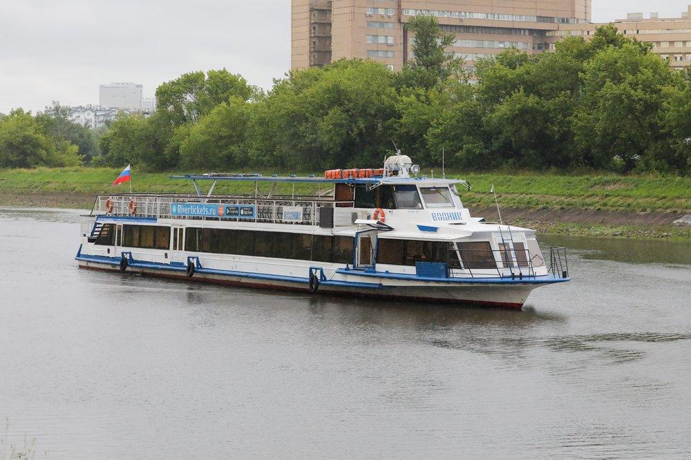 Запуск движения судов на Канале имени Москвы после повторного ремонта аварийного участка