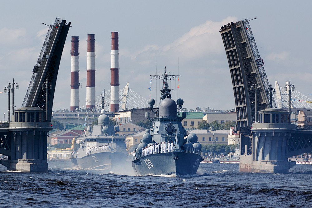 Репетиция парада ВМФ в Санкт-Петербурге
