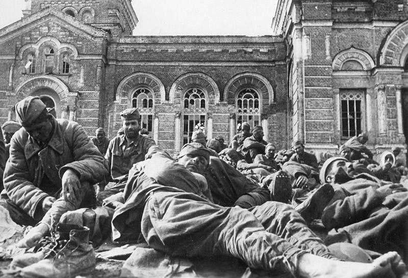 Военнопленные. Сталинград, 1942 год
