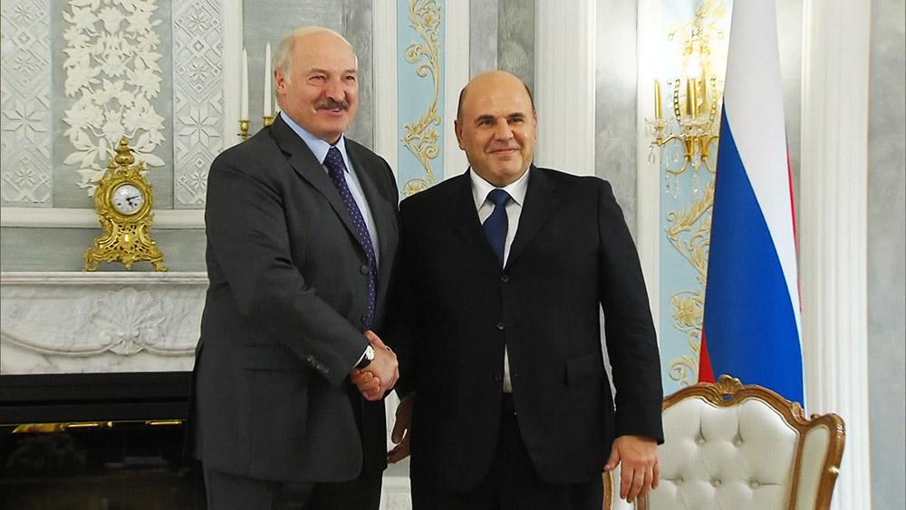 Михаил Мишустин и Александр Лукашенко во время встречи